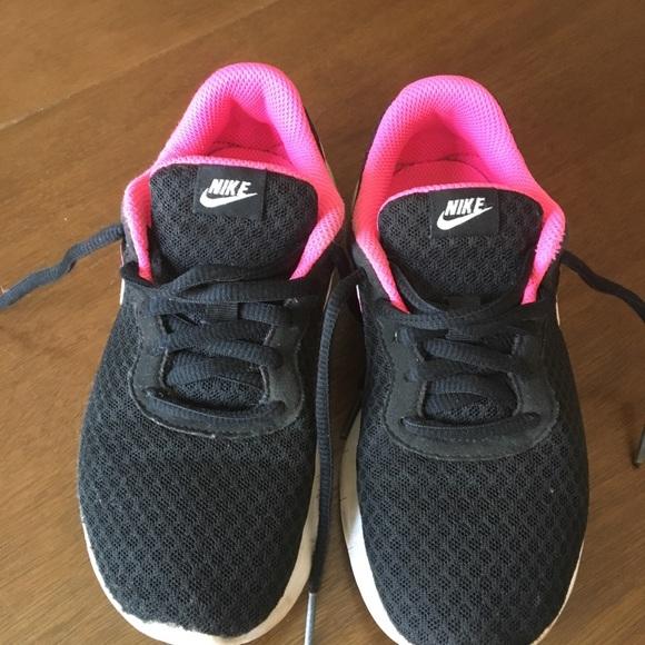 Pink Girls Nike Tanjun Sneakers | Poshmark